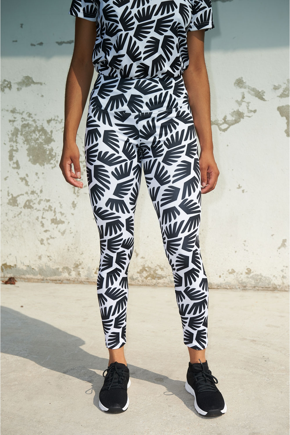 Michelle Legging - Winged pattern - Black & White - Women's Football - Front view